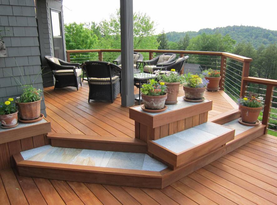 Плетенная мебель на террасе