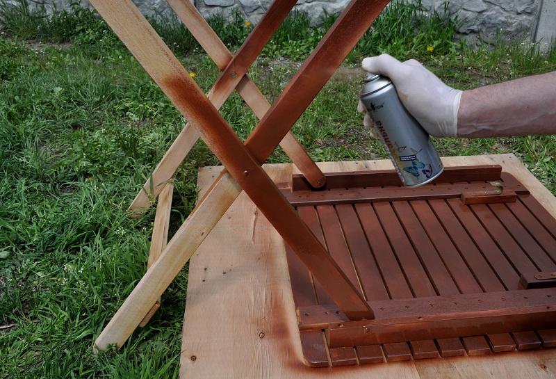 Ремонт мебели с помощью краски спрея